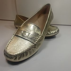 Liz Clairborne Gold Penny Loafers Size 8 😍
